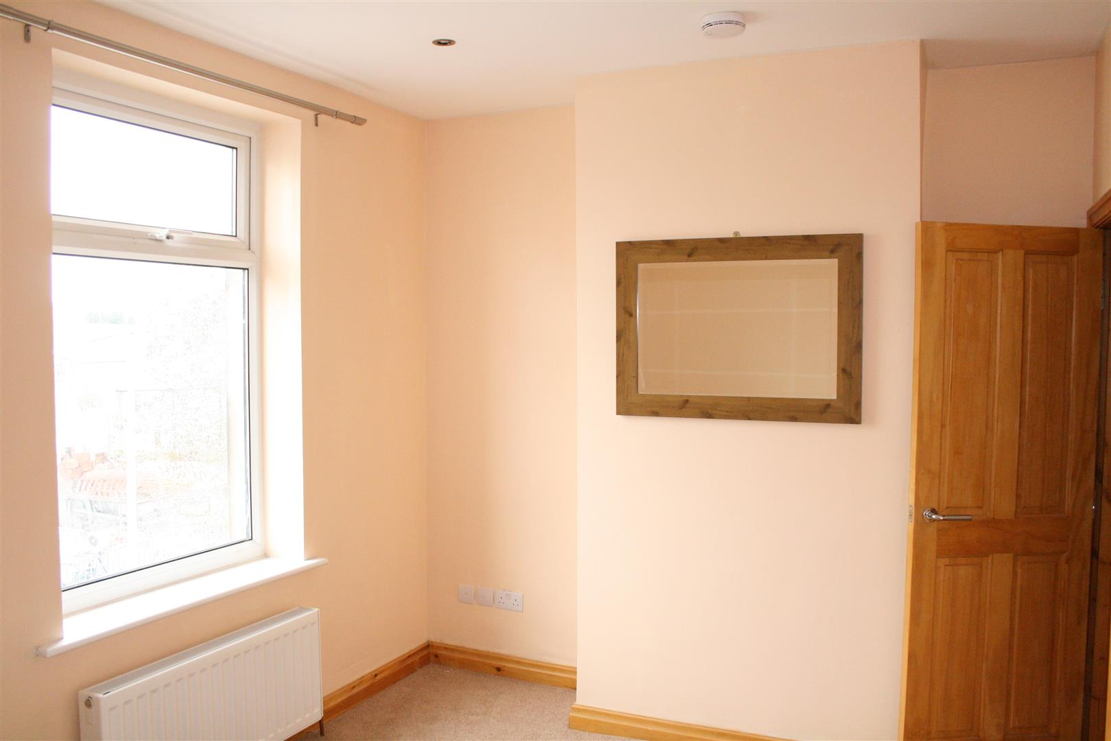 3 bedroom mid terrace house To Let in Barnoldswick - IMG_1094.JPG